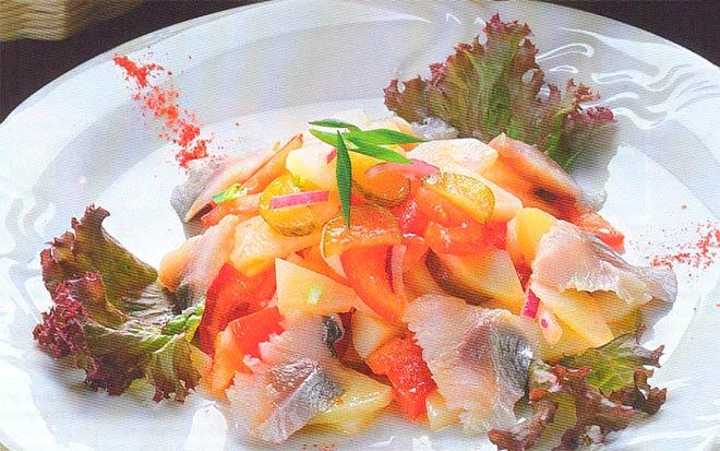 Рецепт Салат «Гетьман» украинской кухни