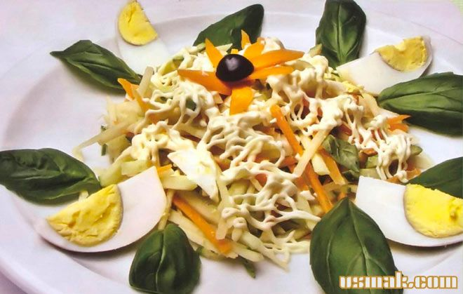 Рецепт Салат из яиц и яблок