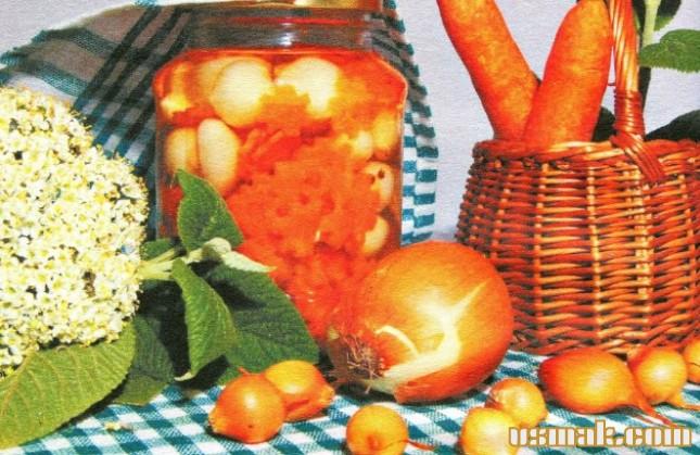 Рецепт Салат из моркови с луком на зиму