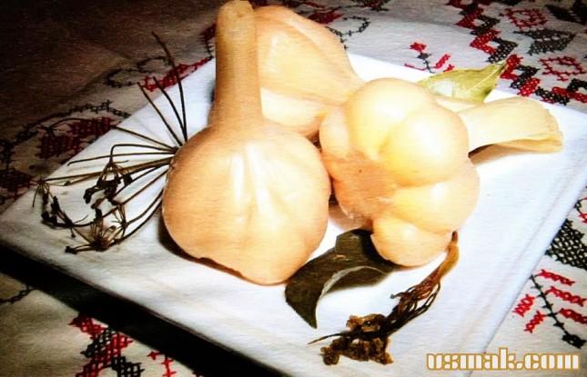 Рецепт Чеснок квашеный головками