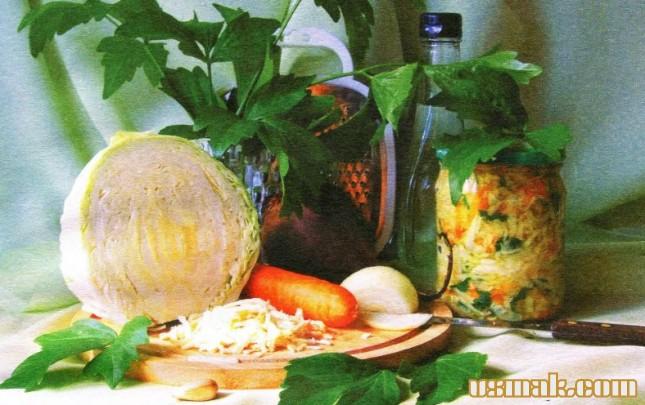 Рецепт Салат из черной редьки, капусты и лука