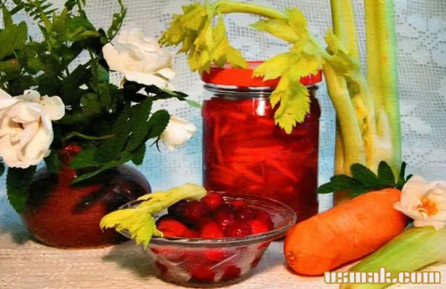 Рецепт Салат из клюквы, моркови и сельдерея на зиму