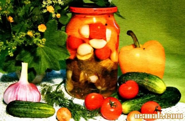 Рецепт Салат, огурцы, помидоры, перец, лук