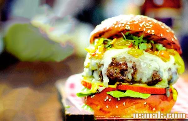 Рецепт Бургер с голубым сыром и яблоком