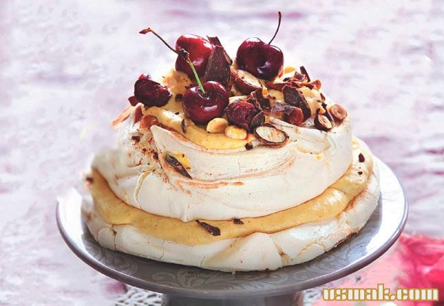 Торт павловой с фруктами
