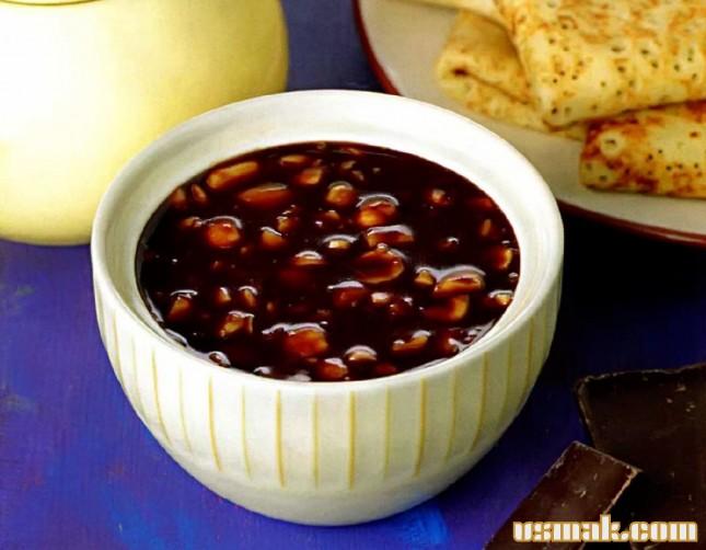Рецепт Шоколадный соус для блинов с орехами
