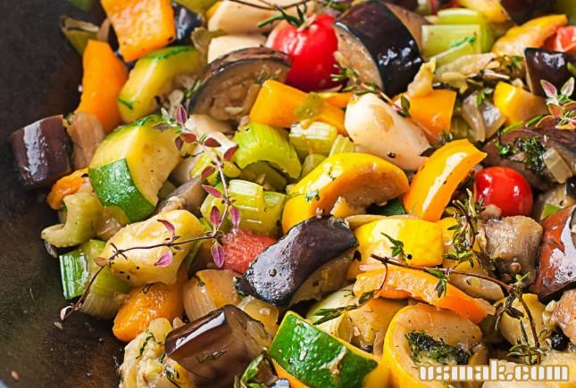 Рецепт Рататуй с баклажанами, цукини и сладким перцем