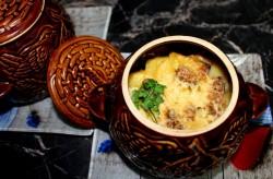 рецепт Картошка с мясом, приготовленные в кастрюле